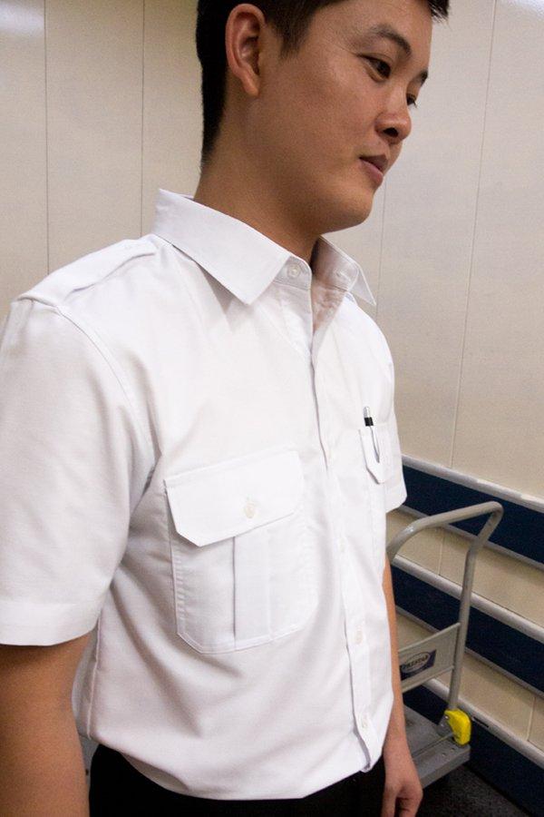 Men's Short Sleeve Shirt with Epaulettes & Patch Pockets (OHA-2011)